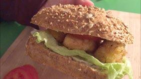 Fertig ist der Fisch-Burger 