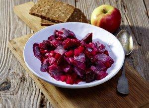 🛒 Heringssalat in Rote Bete-Vinaigrette<brℹ️ Online kaufen auf dorsch-guide.de