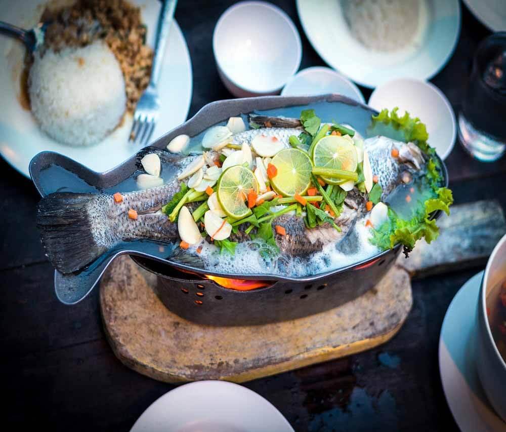 """Nicht nur Dorade, sondern auch Fischfilets, ganze Fische, Meeresfrüchte, Sushi, Räucherfisch, u.v.m. kannst Du Dir hier Online bestellen und frischen, leckeren Fisch an Ostern genießen. Hier kommst Du zum Angebot: <a href=https://goo.gl/7LVFcb rel=""""noopener noreferrer"""" target=""""_blank"""">https://goo.gl/7LVFcb</a>"""