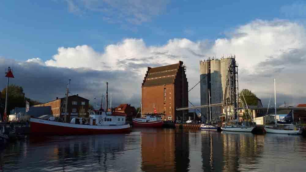 Kutter im Hafen von Fehmarn_Baglimit-2020_dorsch-guide.de